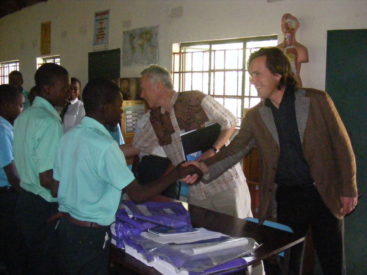 Alexander and Ronnie with a school class of St. Vincent School near Harare, Zimbabwe, where children shared how they worked with Integral Research