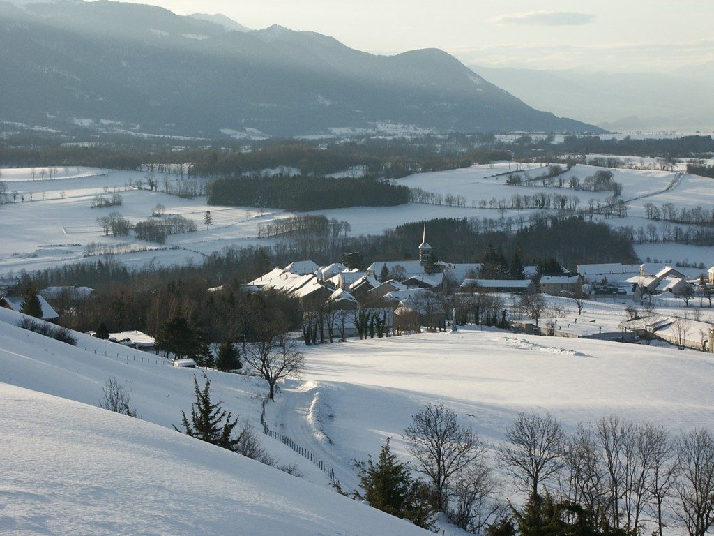 Hotonnes Village in Winter