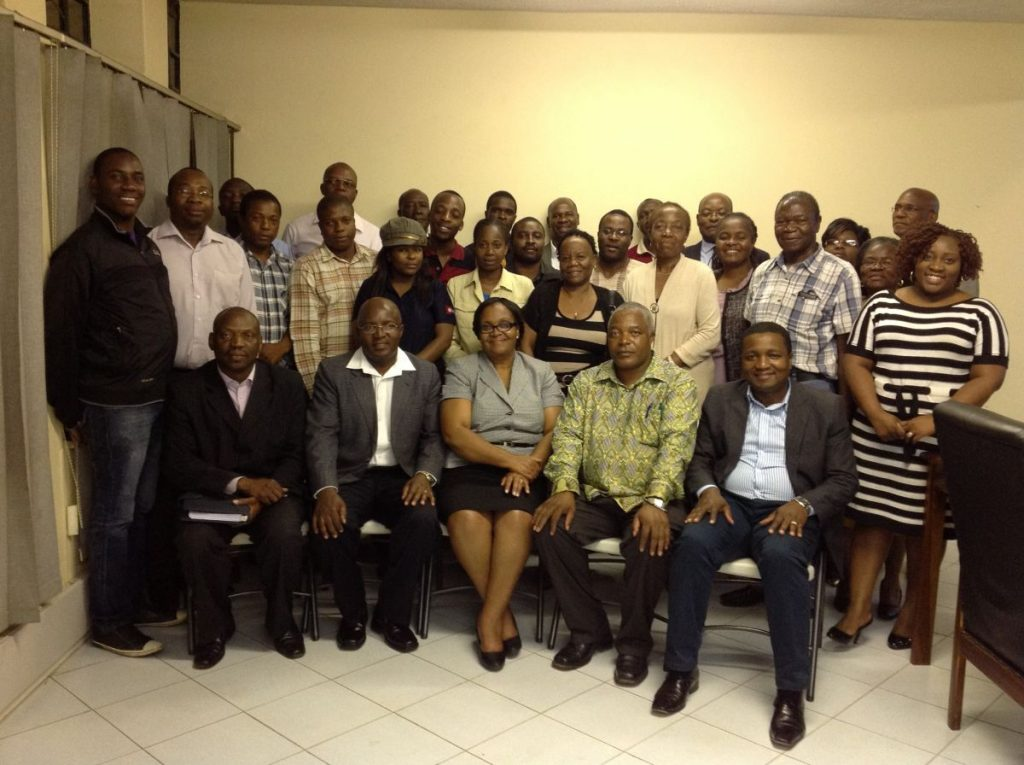 Pundutso Zimbabwe Founders Liz Mamukwa, Passmore Matupire and Josh Chinyuki (front row, middle) with their first Ubuntu Circle