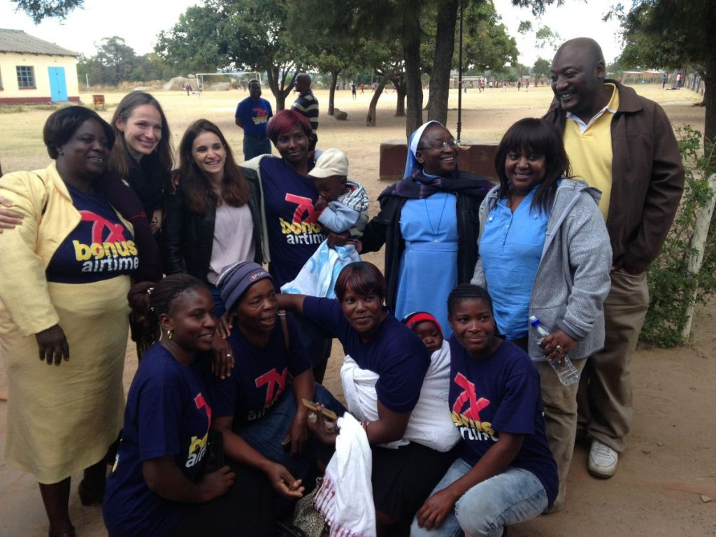 Andrew Nyambayo CARE VIVA Zimbawbwe Domboshava 2016 06 25 Group Picture 1