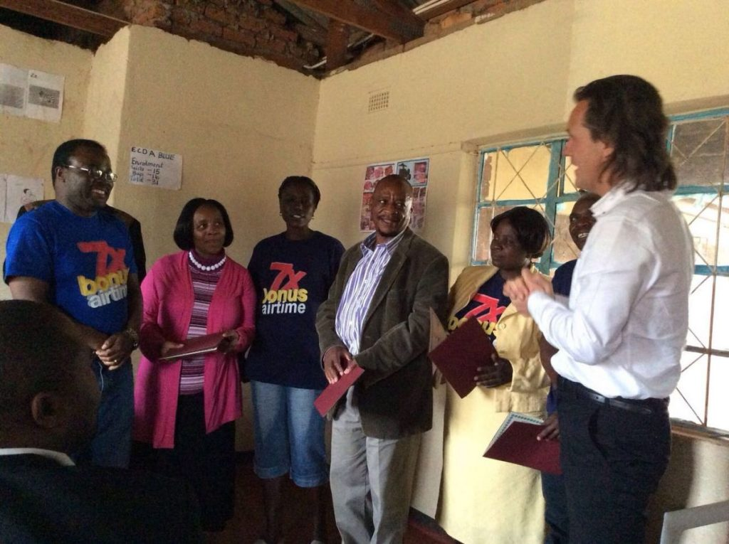 Andrew Nyambayo CARE VIVA Zimbawbwe Domboshava 2016 06 25 Handing over of CARE Award 1