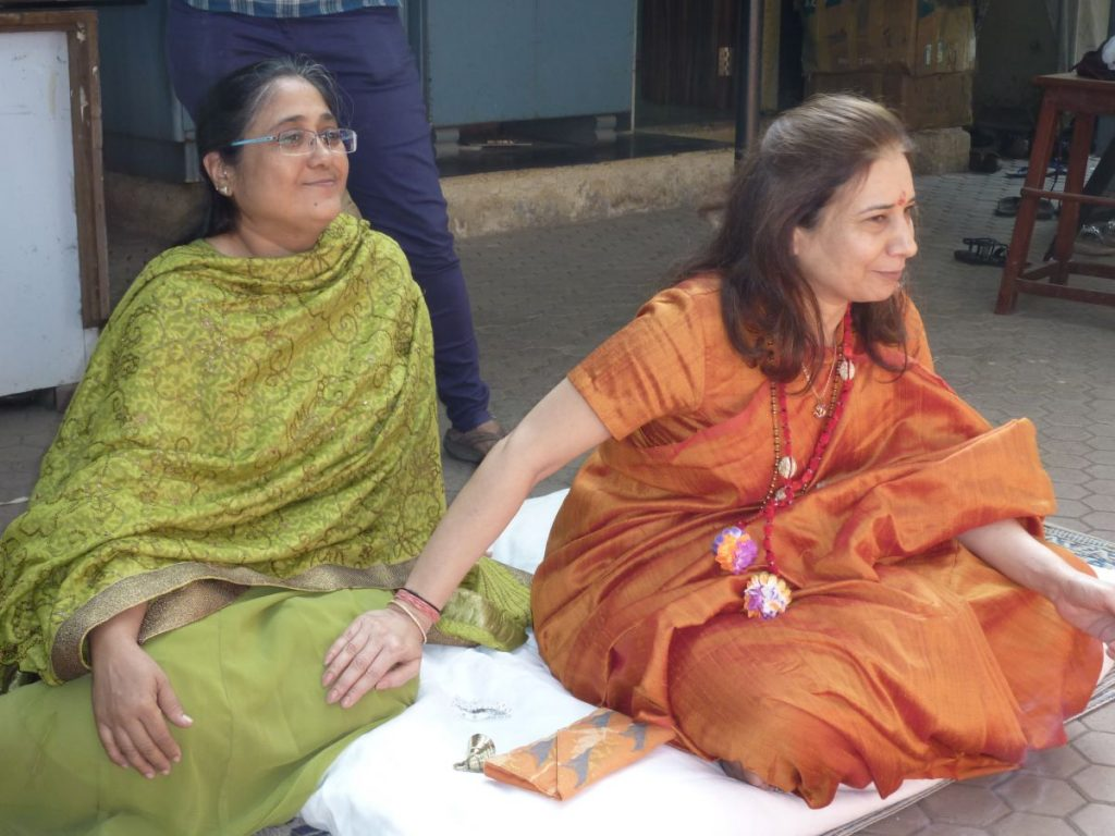 Om Creations Co-Founder Dr. Radhike Khanna and Senior Staff Archana