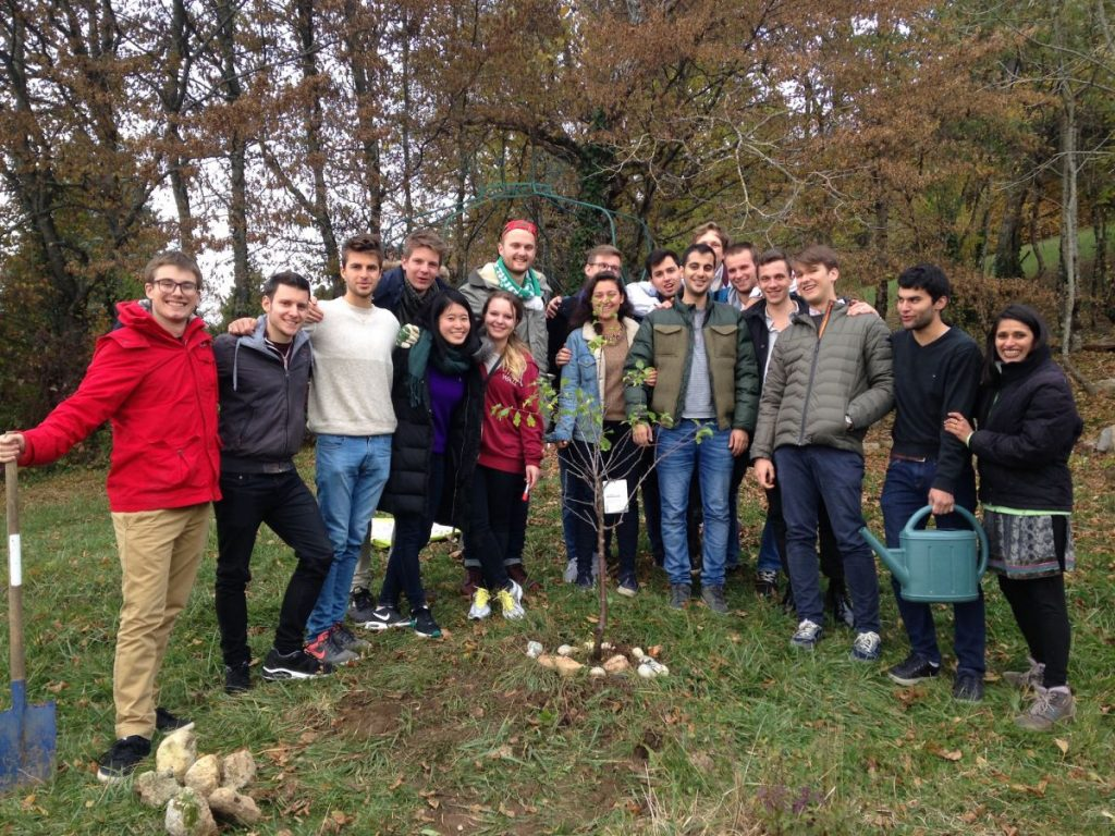 2016-11-02-hotonnesta-course-st-gallen-group-tree-plant-2