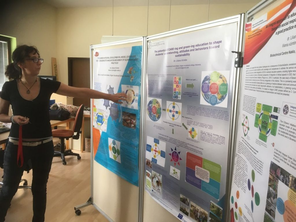 2018 09 11 Slovenia BC Naklo PhD Module Cohort 5 Liliana explaining Posters 1