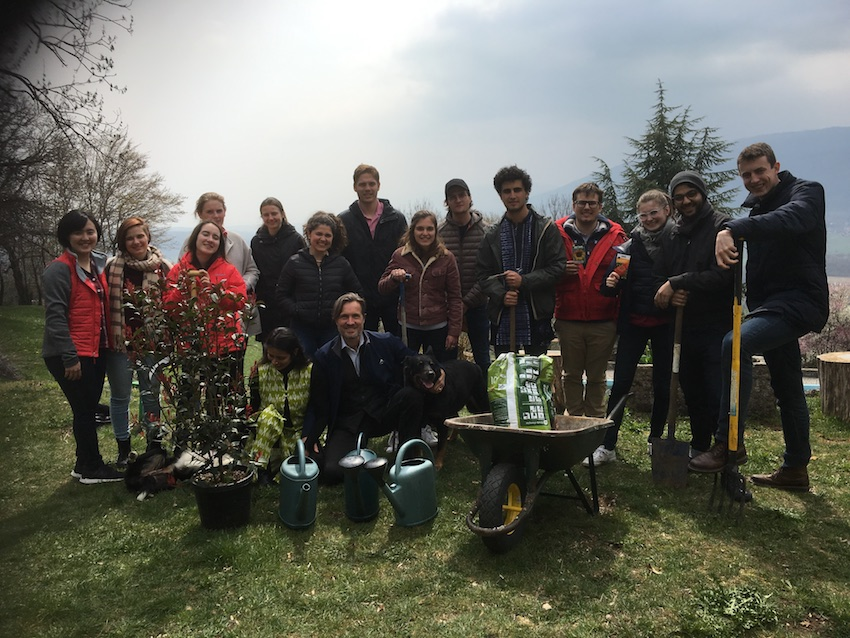 2019 04 08 Integral Development Course 2019 at H4H Full Group Pic in Garden