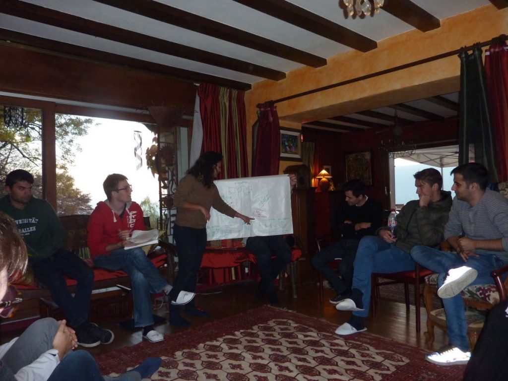2016-11-02-hotonnesta-course-st-gallen-group-presentation-2
