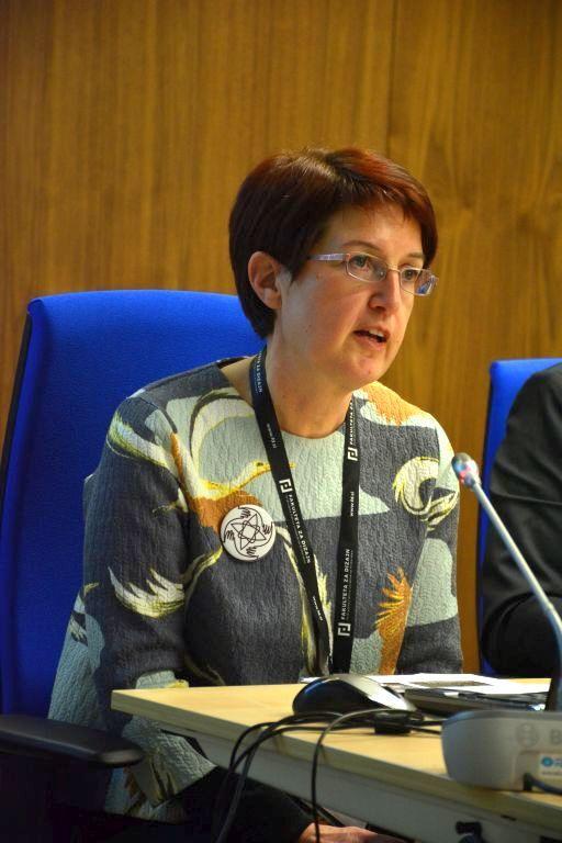 2017 02 04 Slovenia Integral Green Karin Lavin