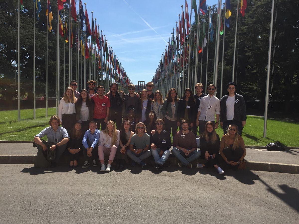 2017 04 10 ID Course Geneva UNO Flags GROUP Picture 1