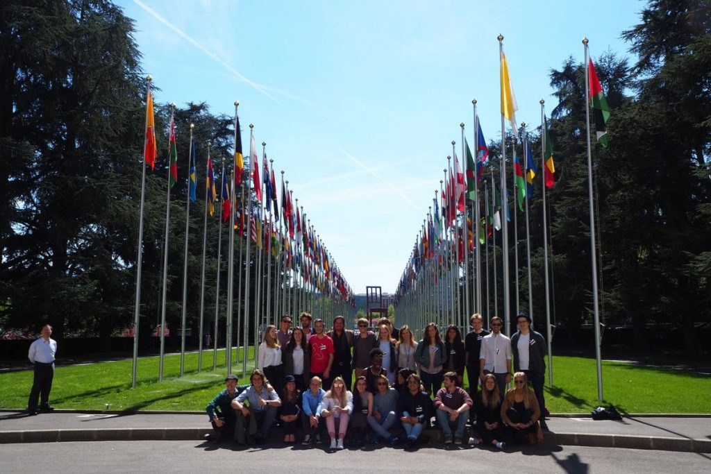 2017 04 10 ID Course Geneva UNO Flags GROUP Picture 3