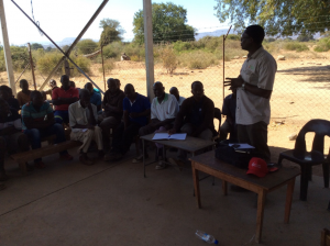 Discussing issues affecting farming productivity with Small Scale farmers at Maunganidze irrigation, Birchenough Bridge Manicaland, Zimbabwe