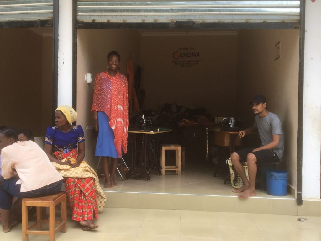 2018 03 18 Tanzania Kigamboni KCC Sewing Project Shop Julia Elias Ama