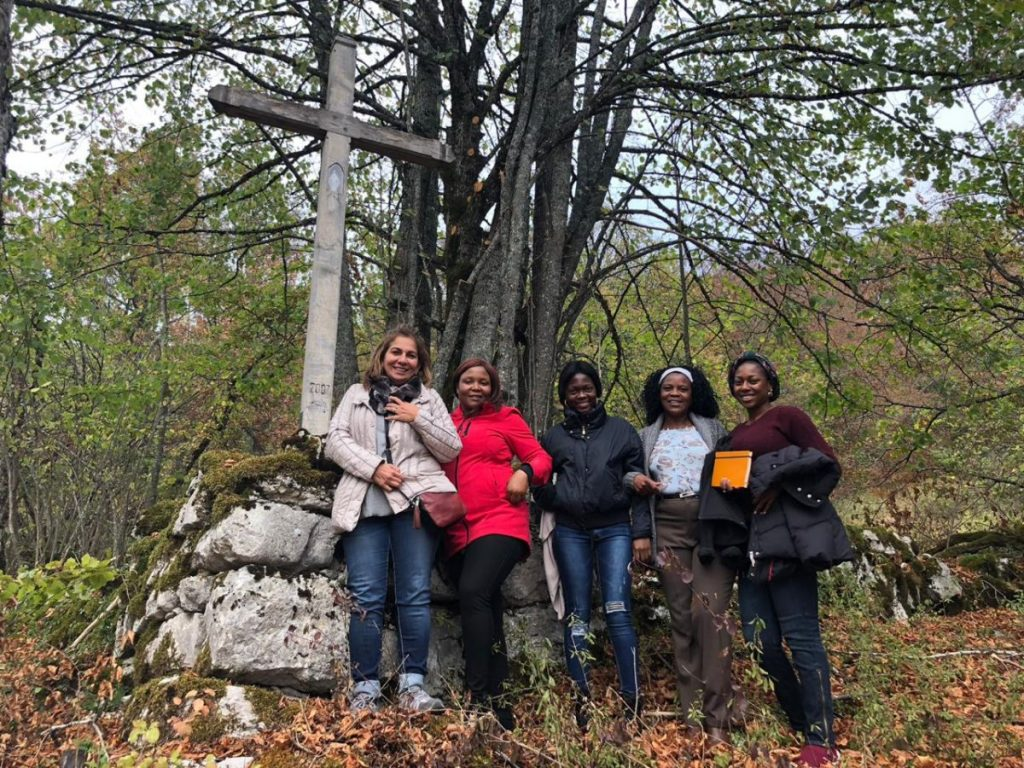 2018 10 05 Trans4m PhD Program Induction Hotonnes - Group in Forest 3