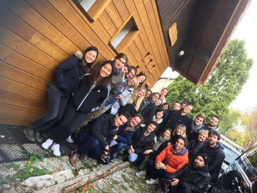 2018 10 30 Hotonnes TA Course St Gallen Group Picture H4H Sign